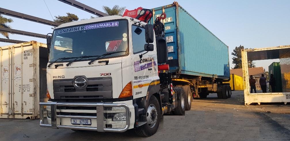 12m crane truck - transport service offered